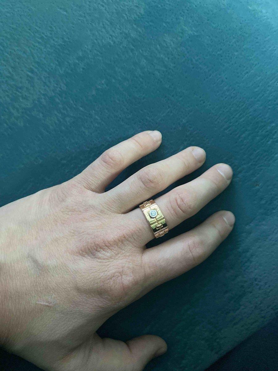 Кольцо супер,смотриться круто,очень доволен!👍рекомендую,покупка 🤟🤟🤟👌