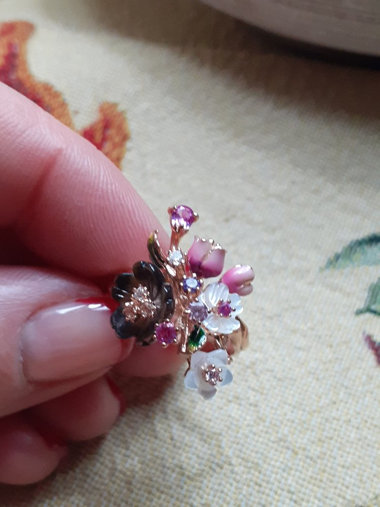 Позолоченное кольцо.