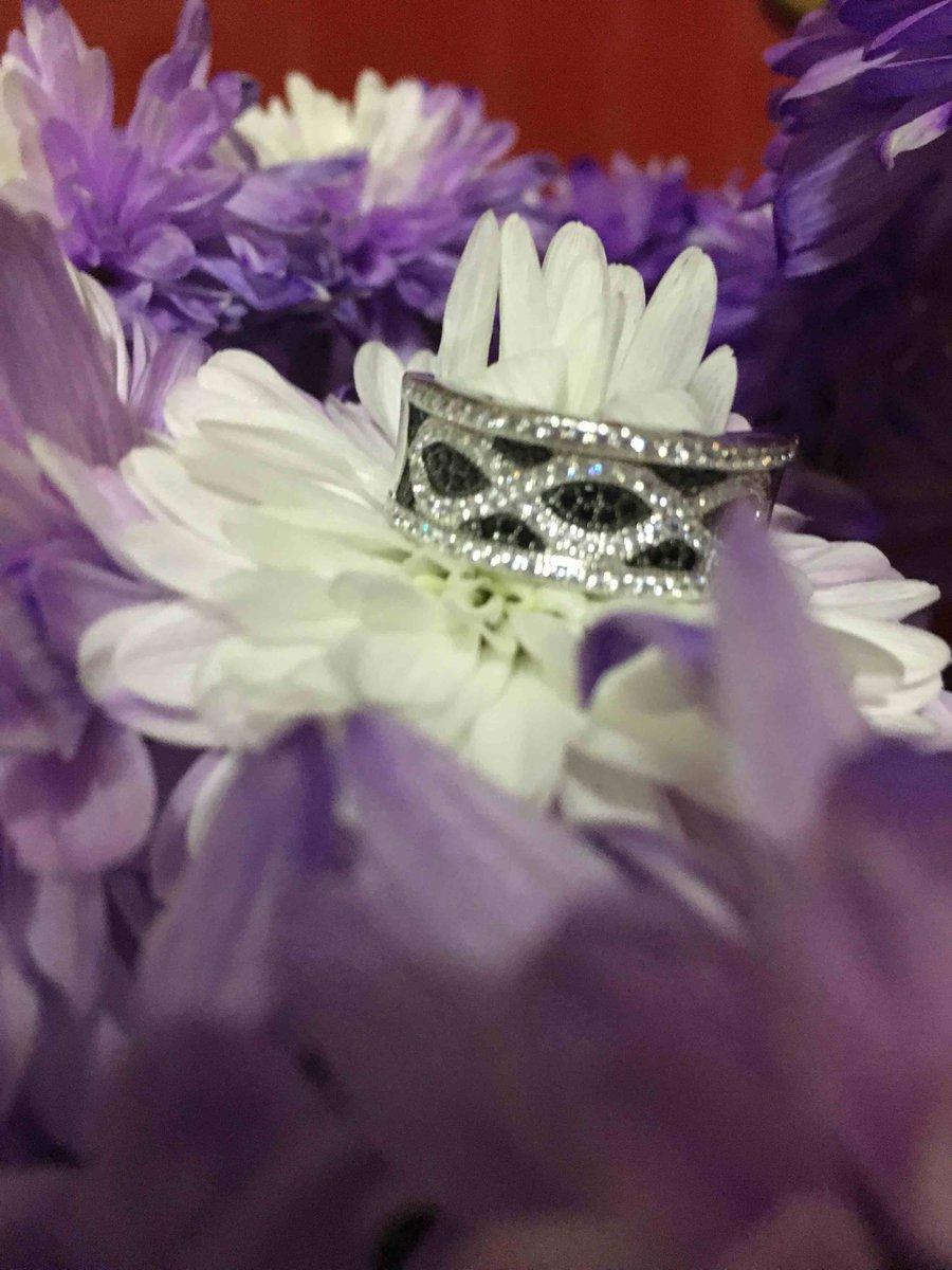 Очаровательное кольцо!!!!!