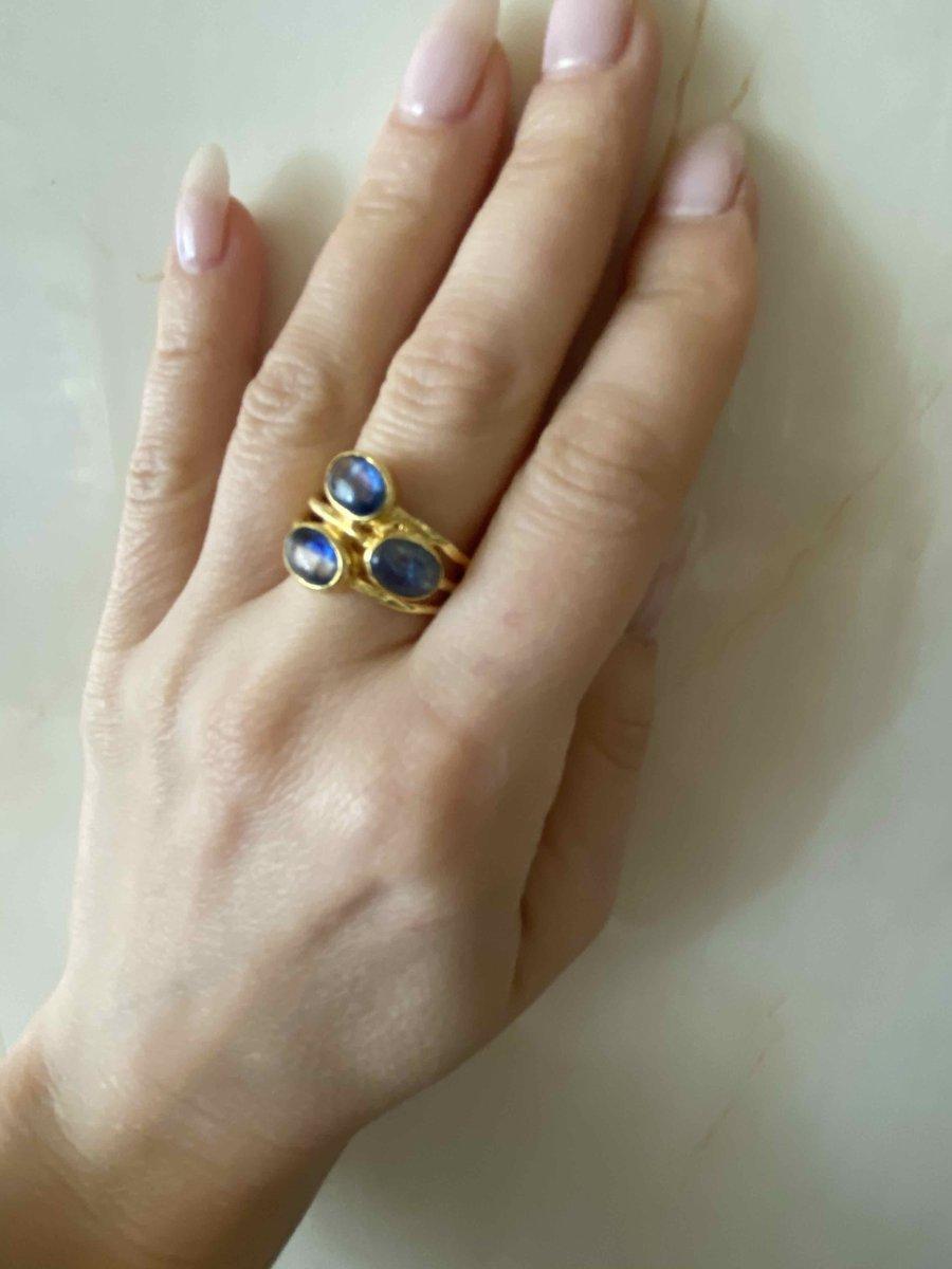 Кольцо с кианитами