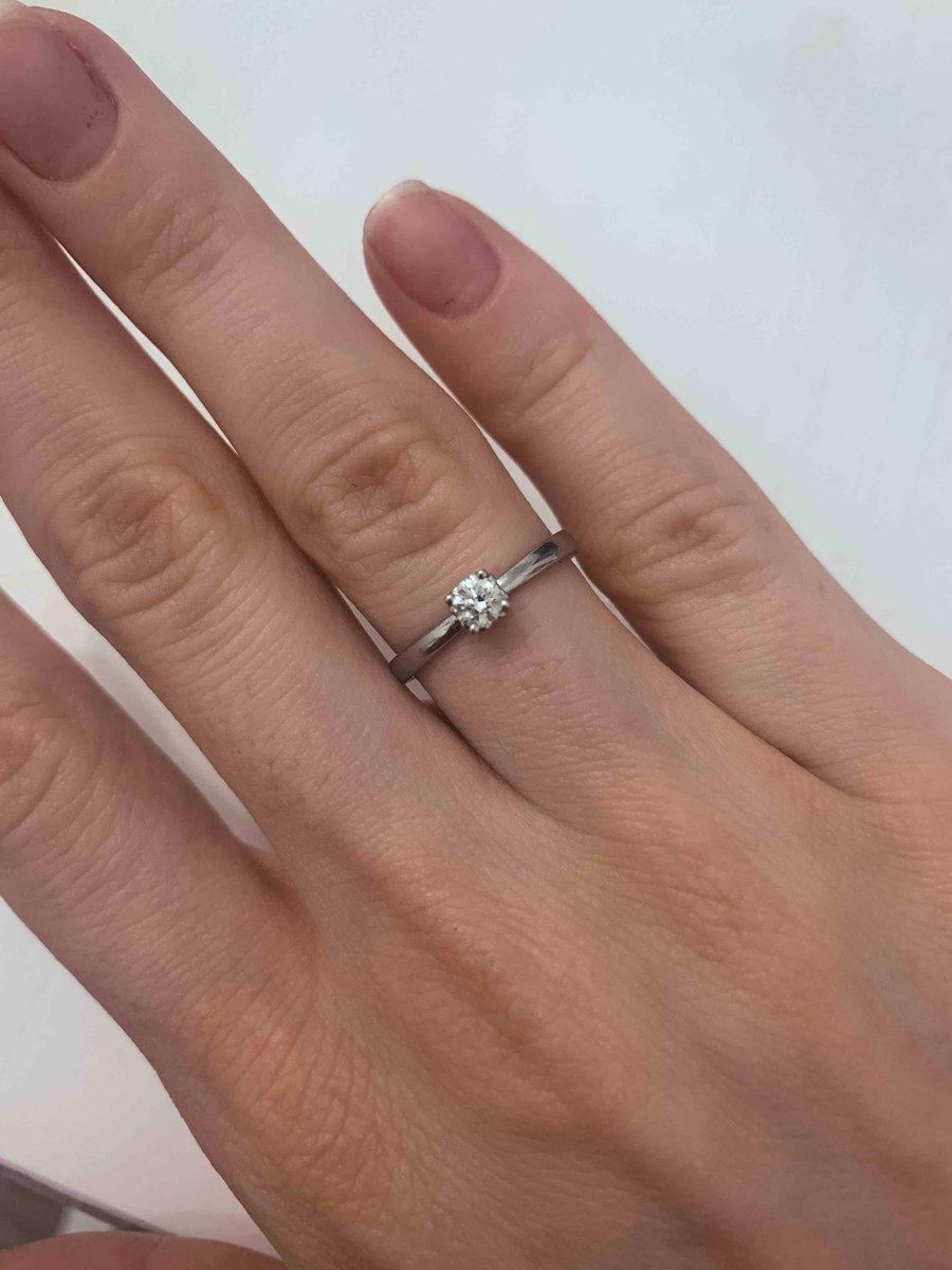 Нежное кольцо для особенного дня