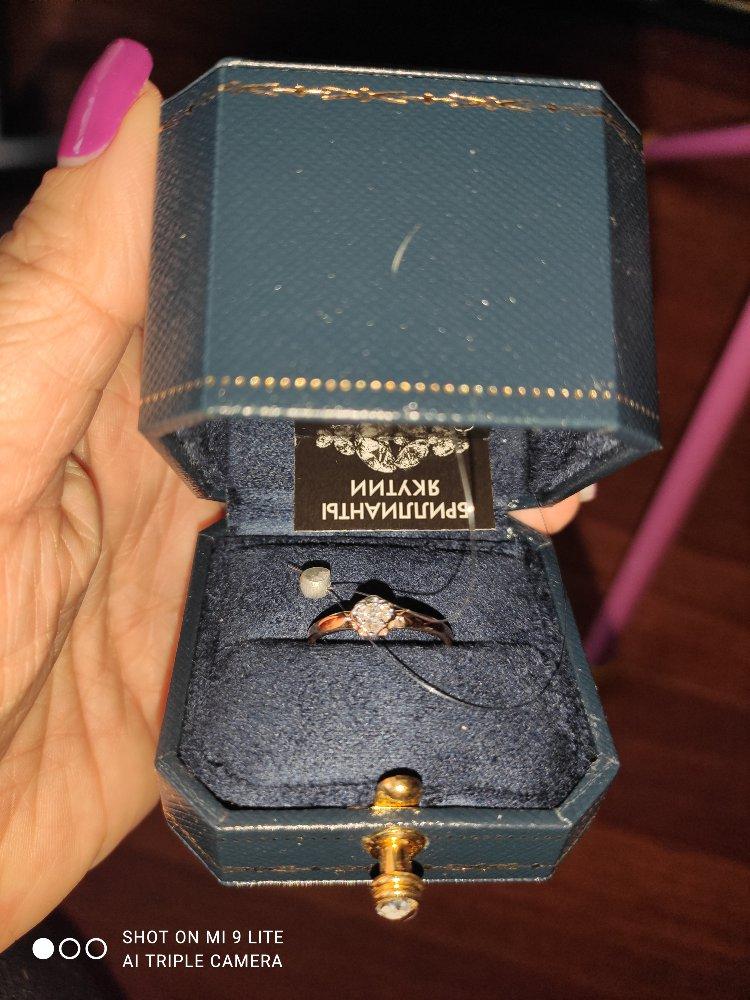 Кольцо покупала на день рождения доченьки, брала 17,5, очень нежное.