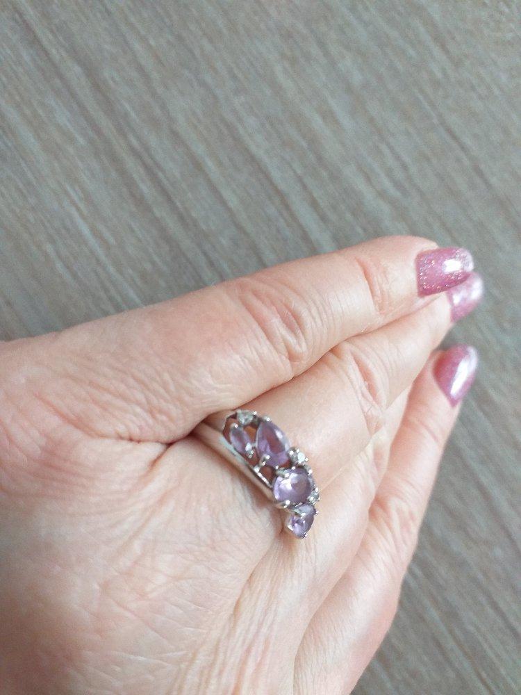 Очень красивое и нежное кольцо.