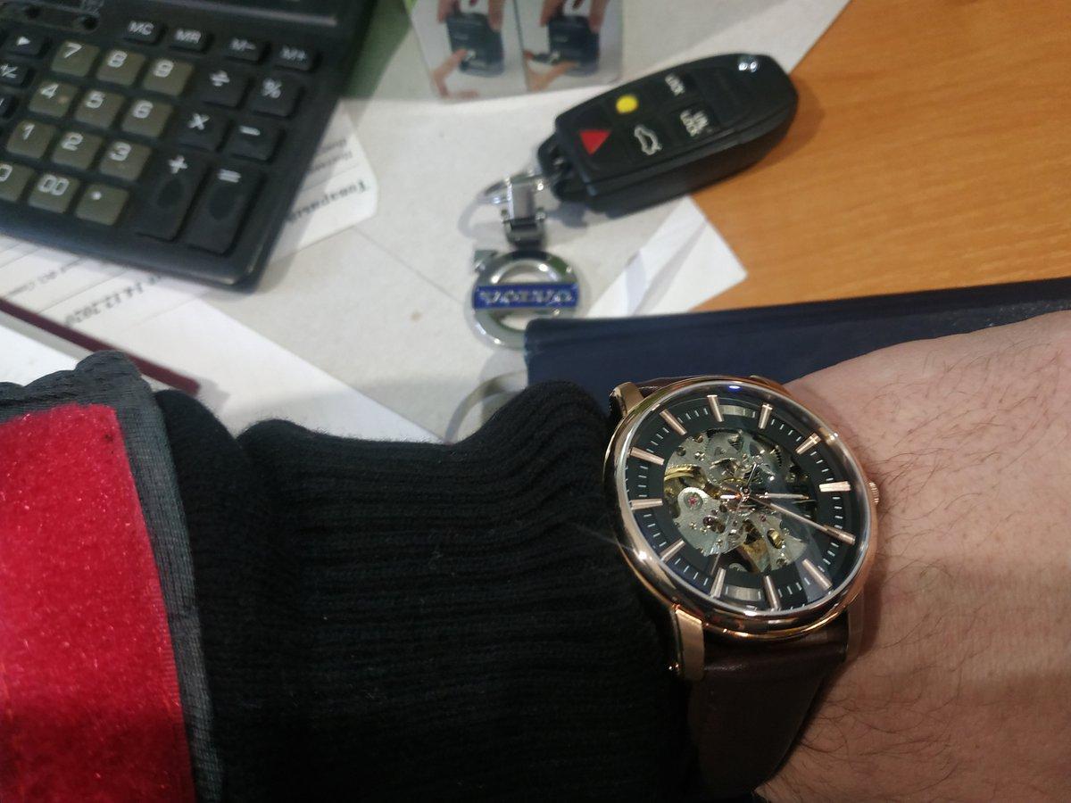 Покупка часов и украшений трц меганом