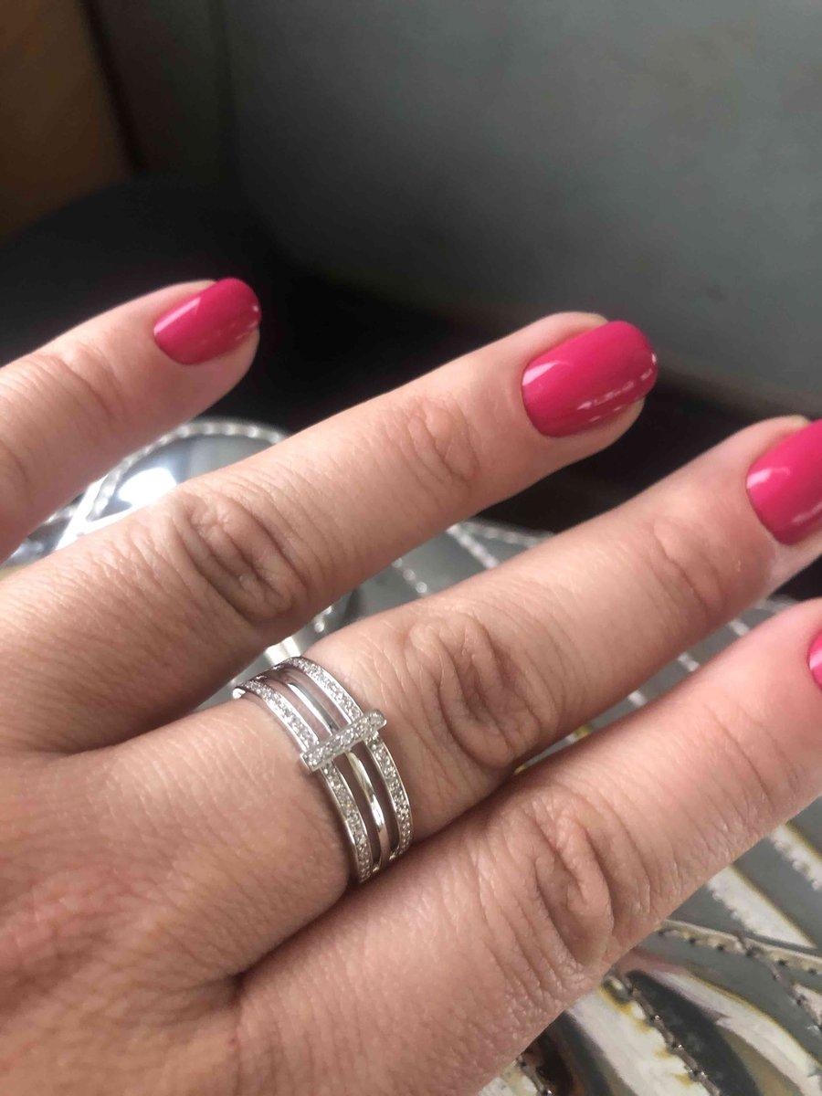 Шикарное, дорогое кольцо