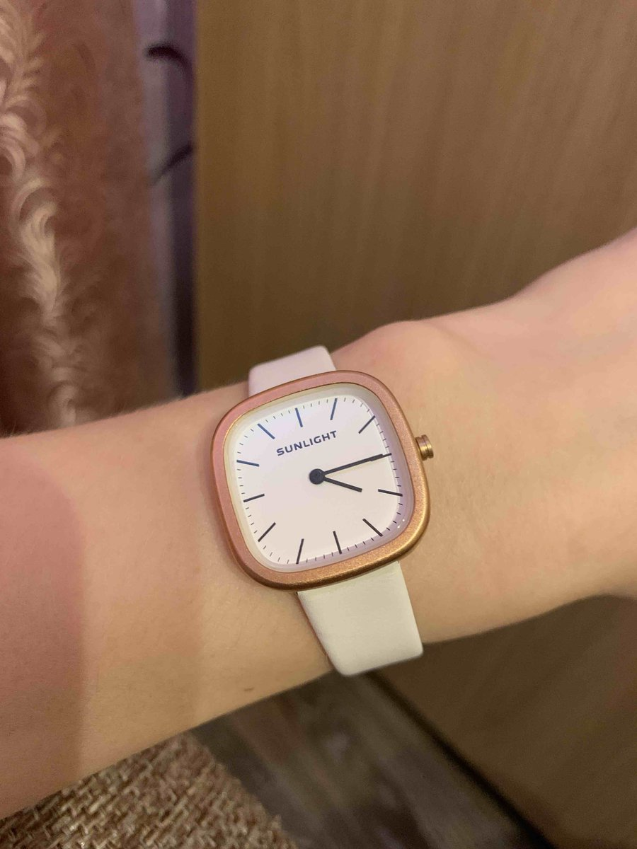 Думал, что часы будут побольше, но на хрупком женском запястье норм 👍🏻