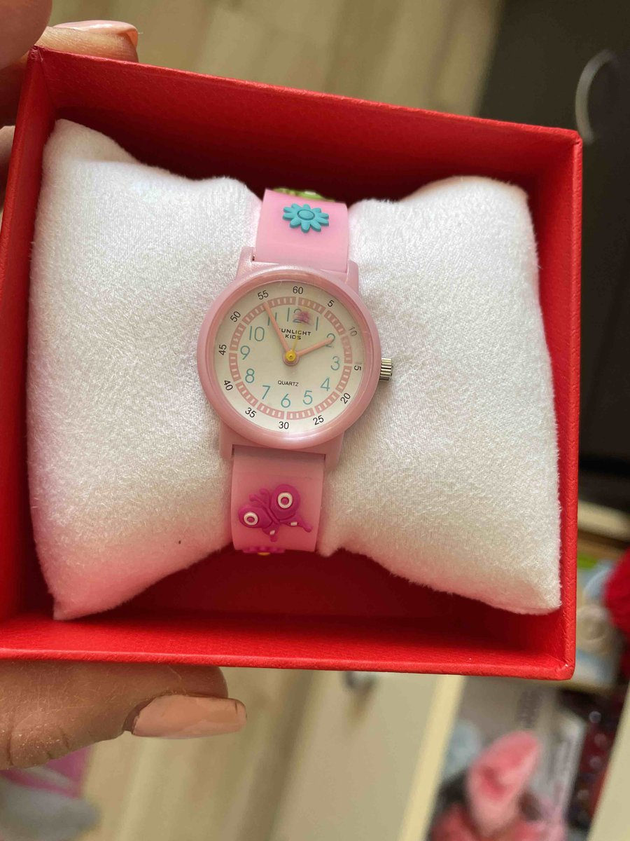 Часы супер. дочка довольна