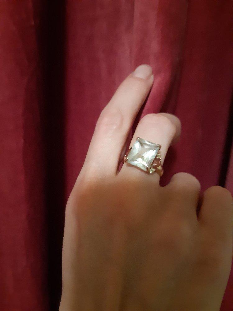 Просто красивое кольцо.