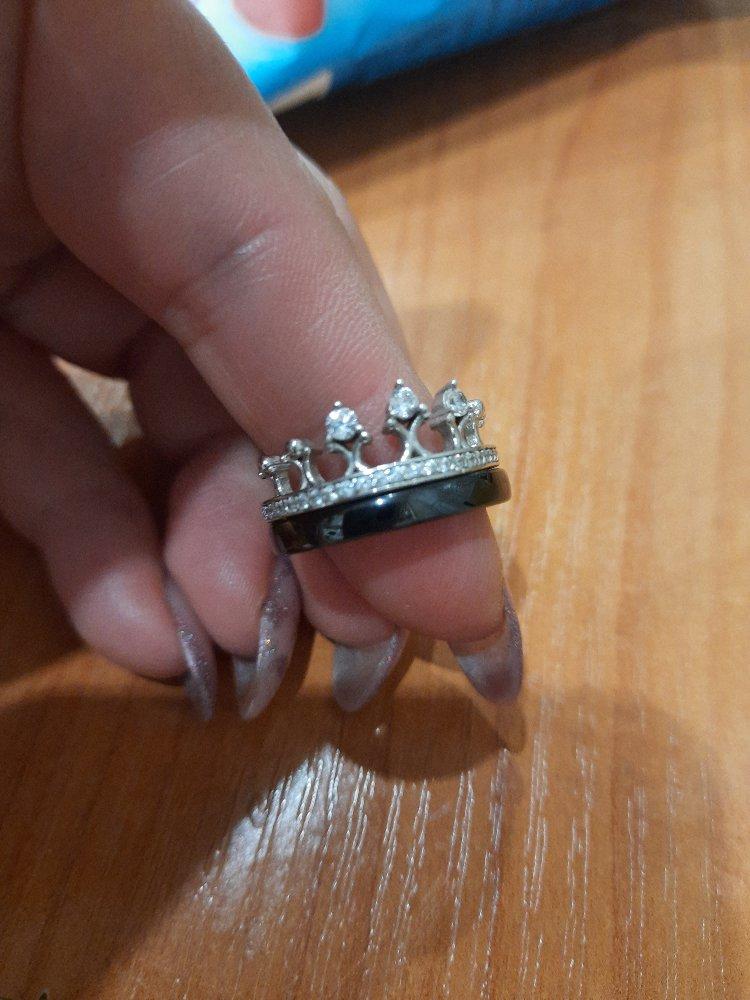 Чудесное кольцо!!смотрится бомбически