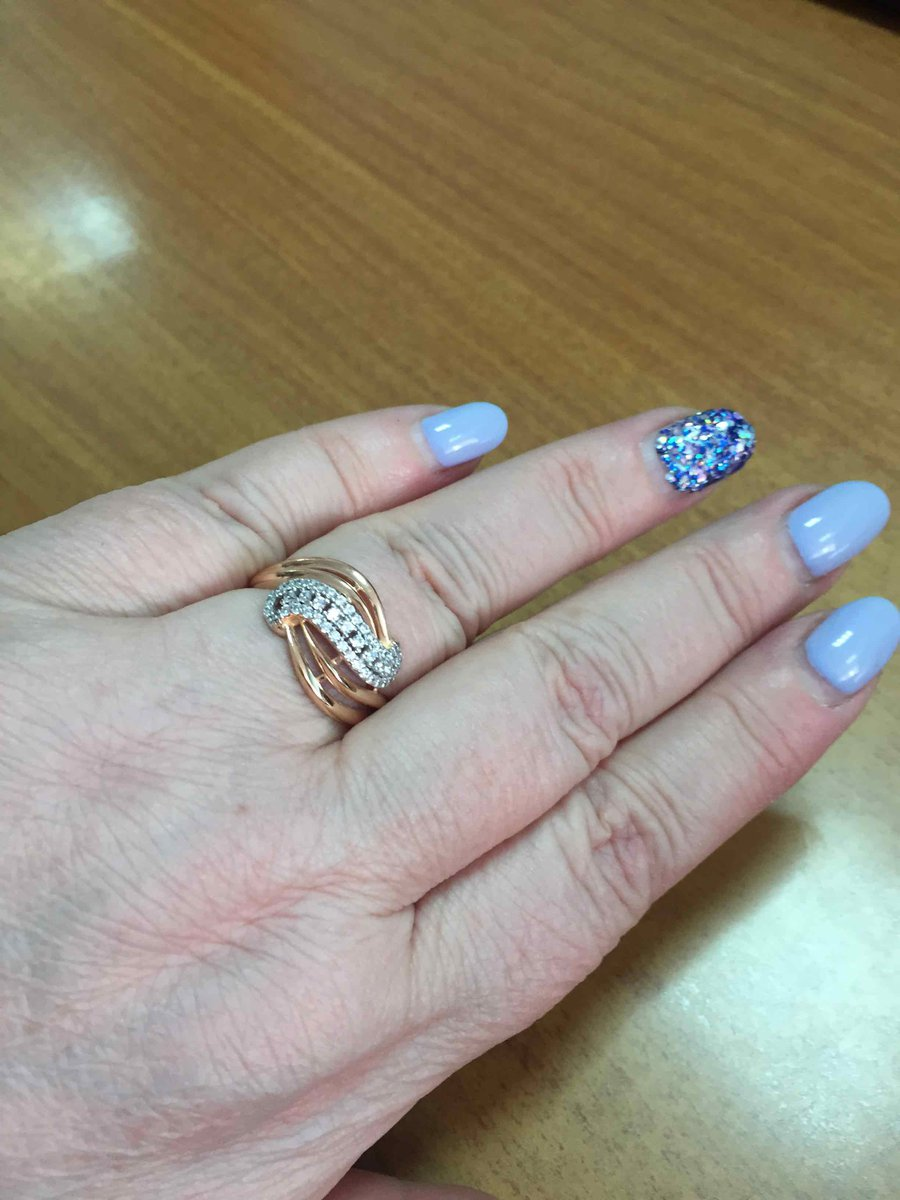 Серебряное позолоченное кольцо с фианитами