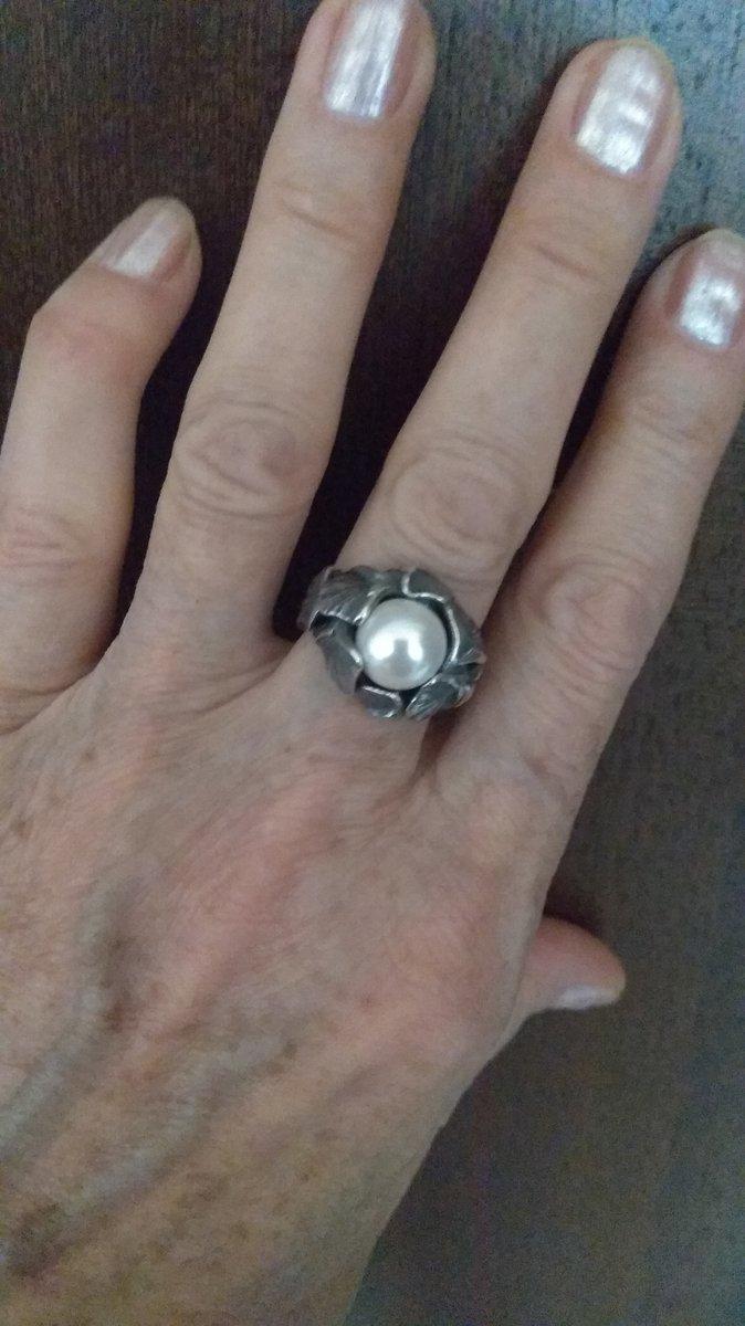 Оригинальное кольцо с жемчужиной