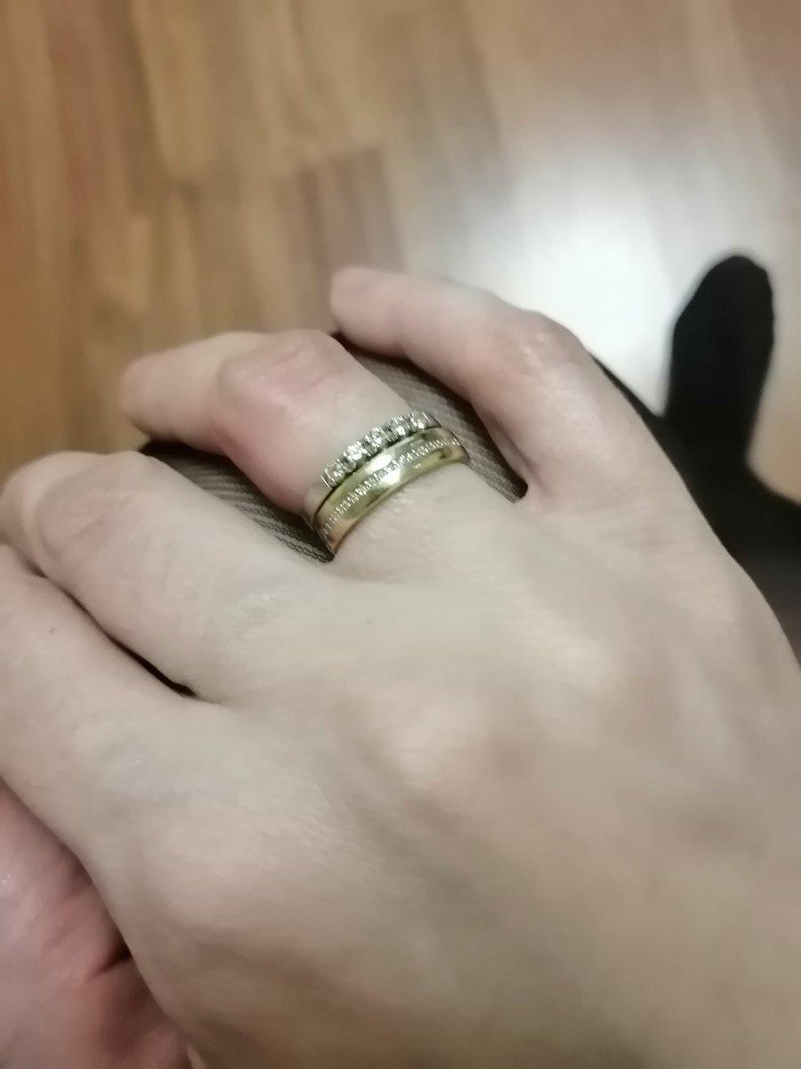 Эффектное обручальное кольцо