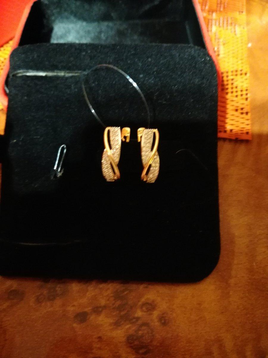 Серёжки с бриллиантами.. ведь они лучшие друзья!