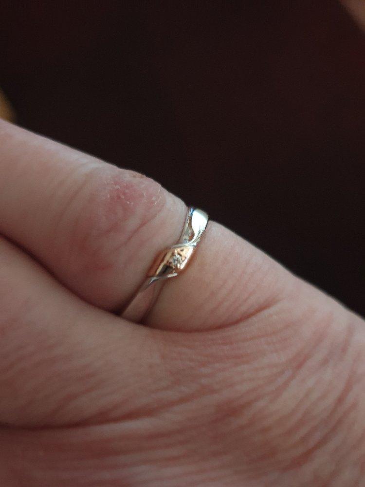 Серебряное кольцо с золотой вставкой