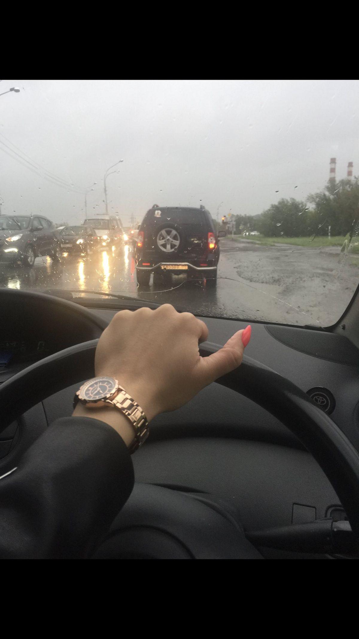 Купила классные часы , да еще и с большой скидкой.