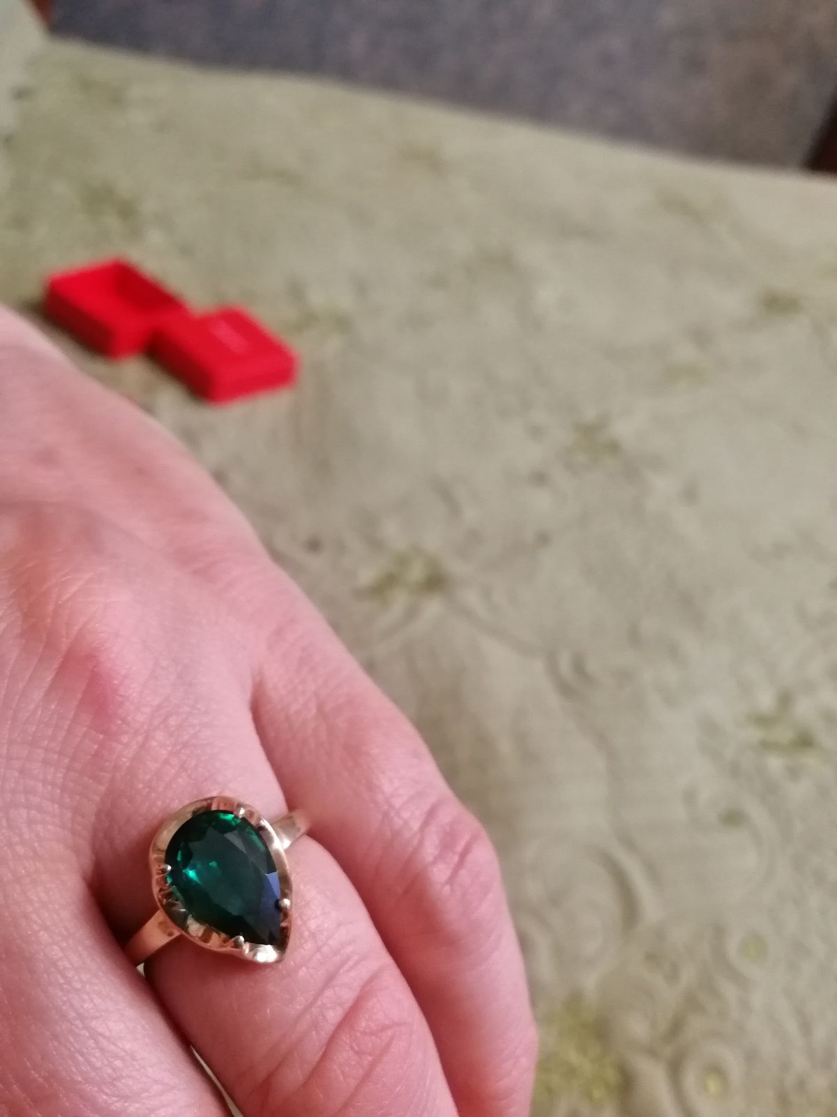 Кольцо с изумрудом это мечта любой женщины