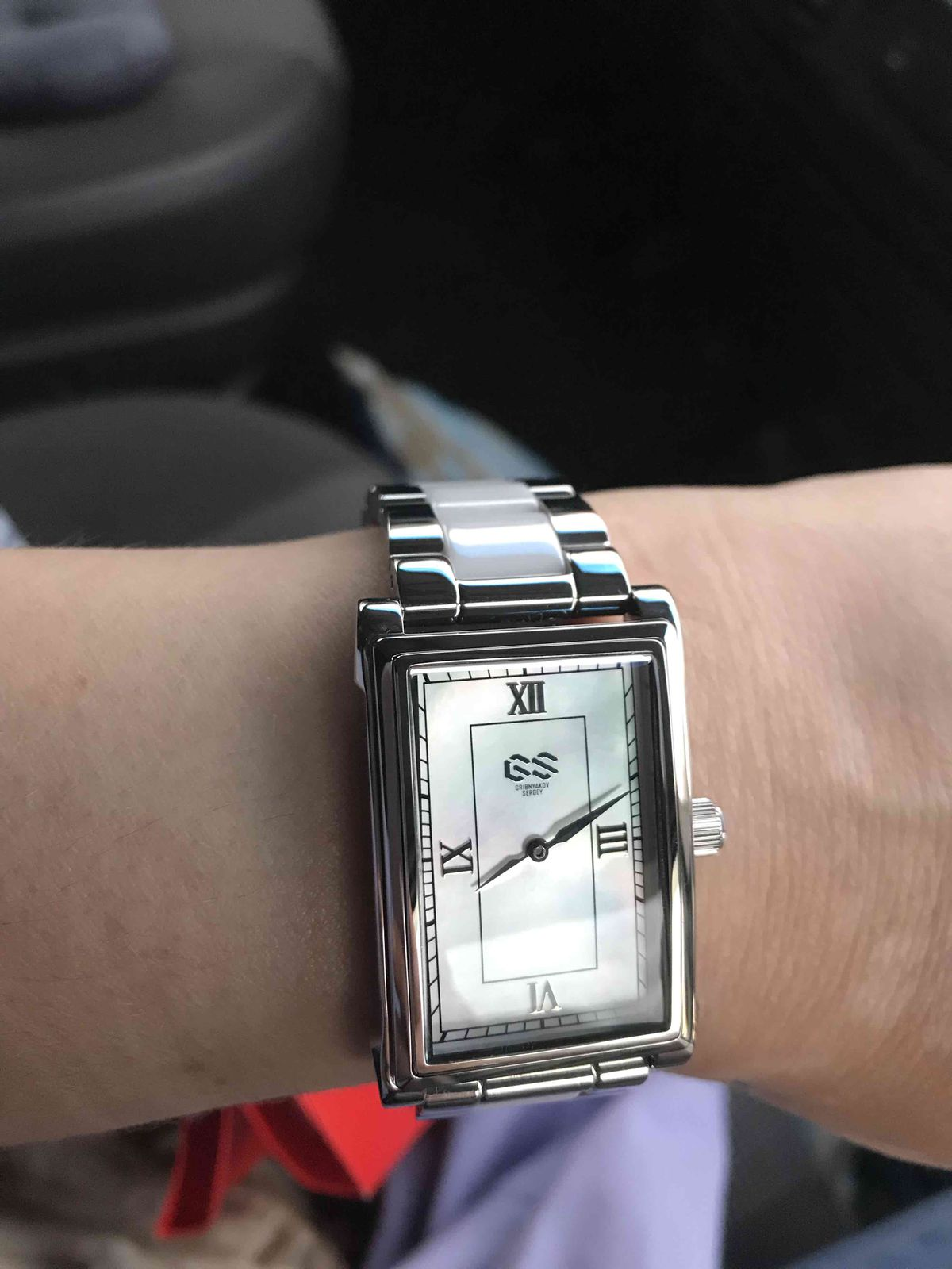 Отличные, стильные и дорого смотрящиеся часы !!!Рекомендую, не пожалеете !)