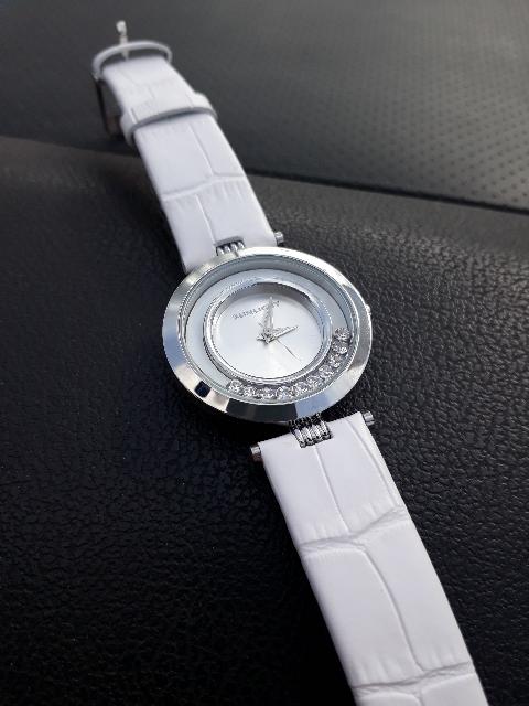 Очень нежные и оригинальные часы