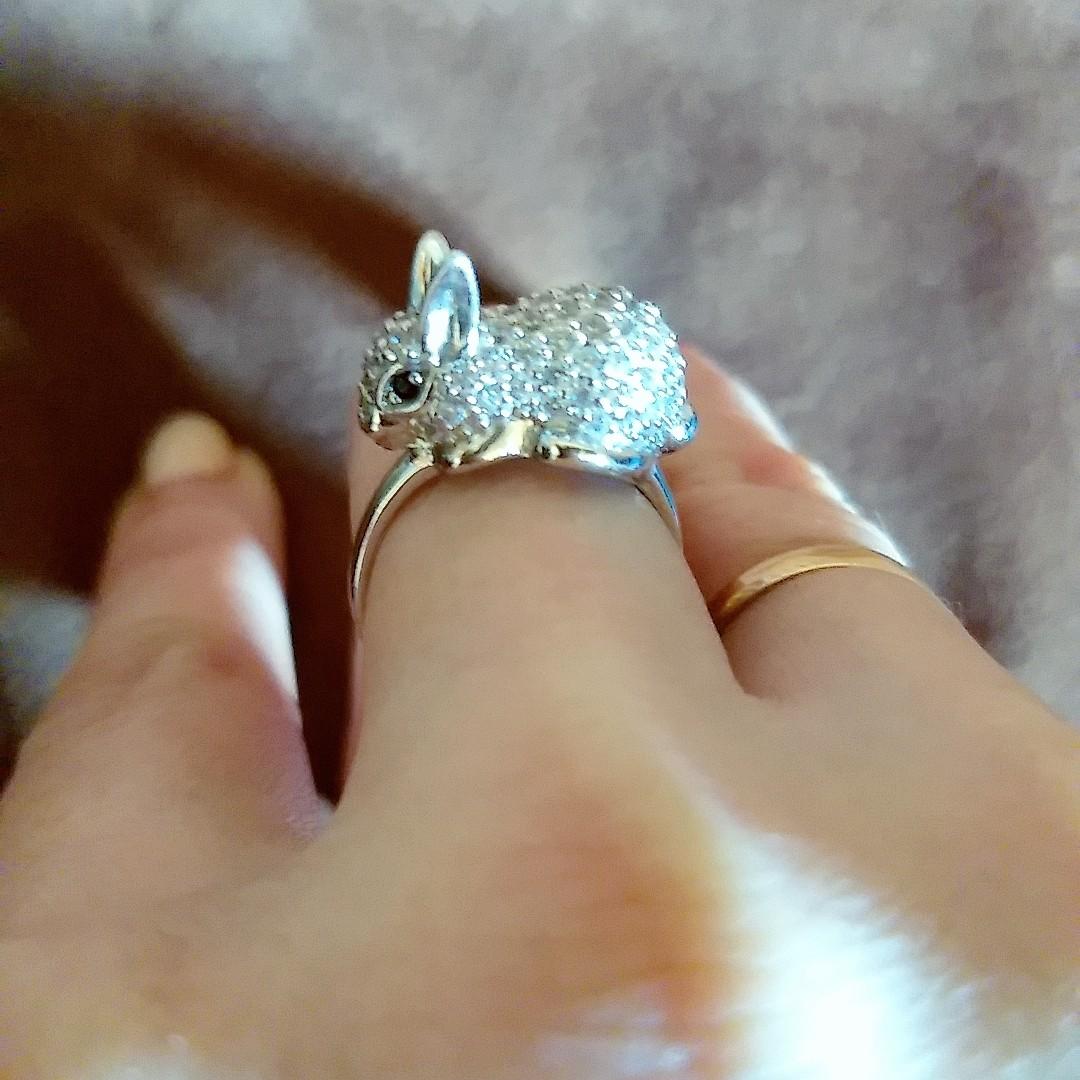 Очень красивое кольцо из серебра с белым кроликом как счастливый талисман