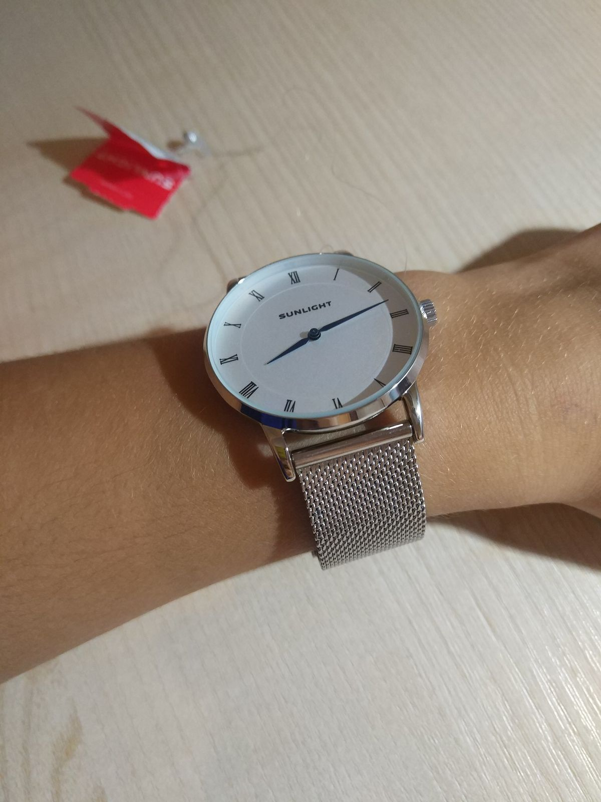 Часы прекрасно сидят на руке!!! Идеальная расцветка.