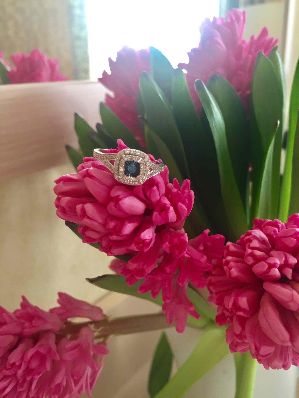Прекрасное кольцо с бриллиантами