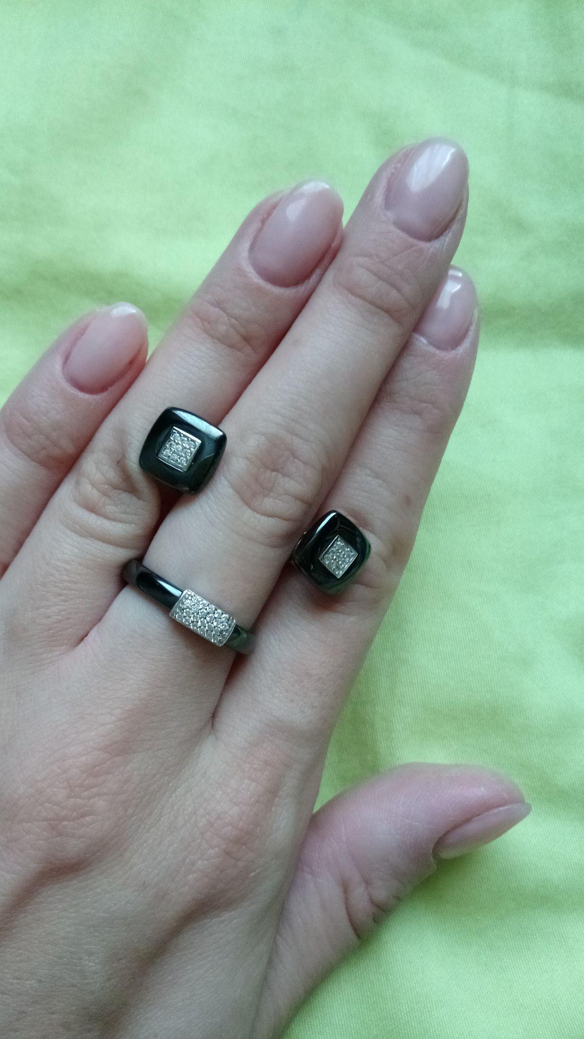 Кольцо из керамики с фианитами