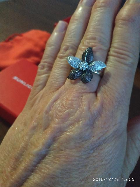 Красивое кольцо для праздника