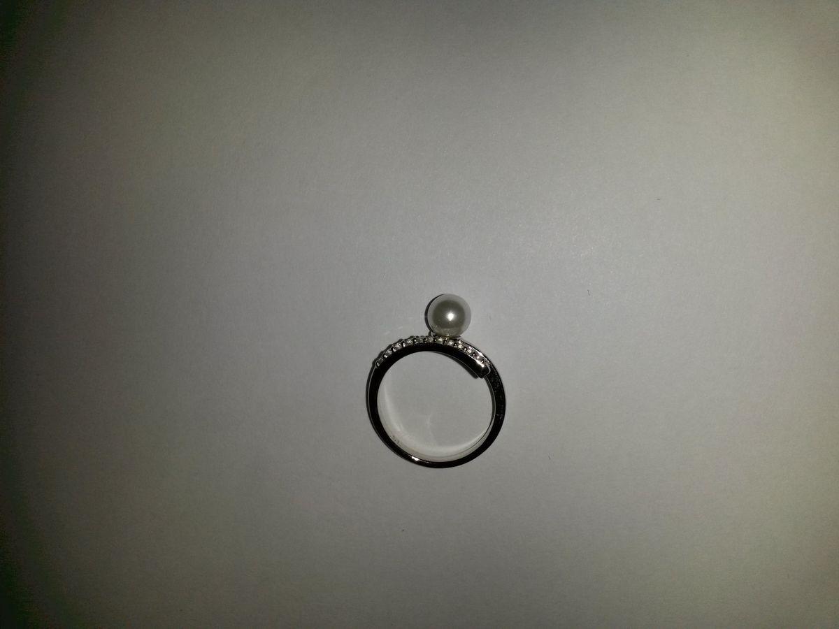 Кольцо с имитацией жемчуга