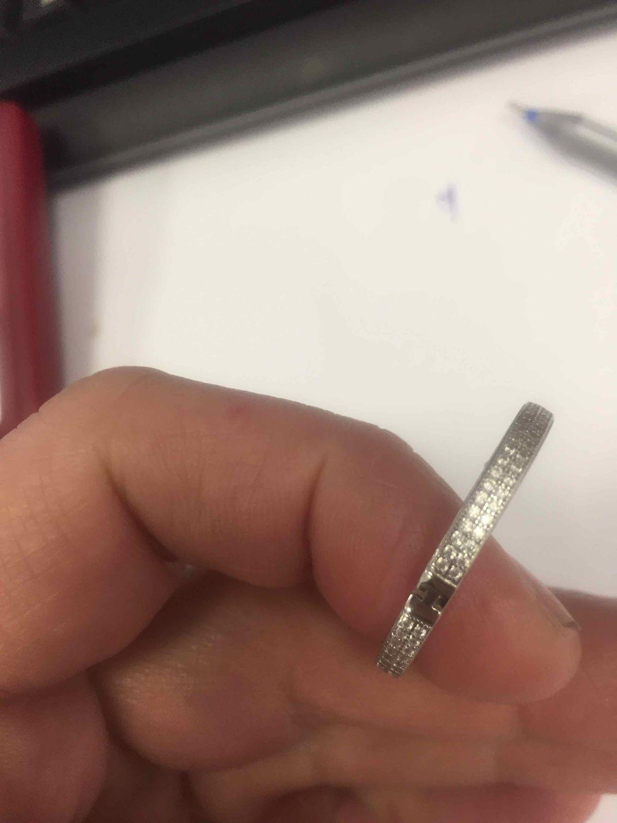 Прекрасные серьги !как настоящие бриллианты,блестят и переливаются !!!