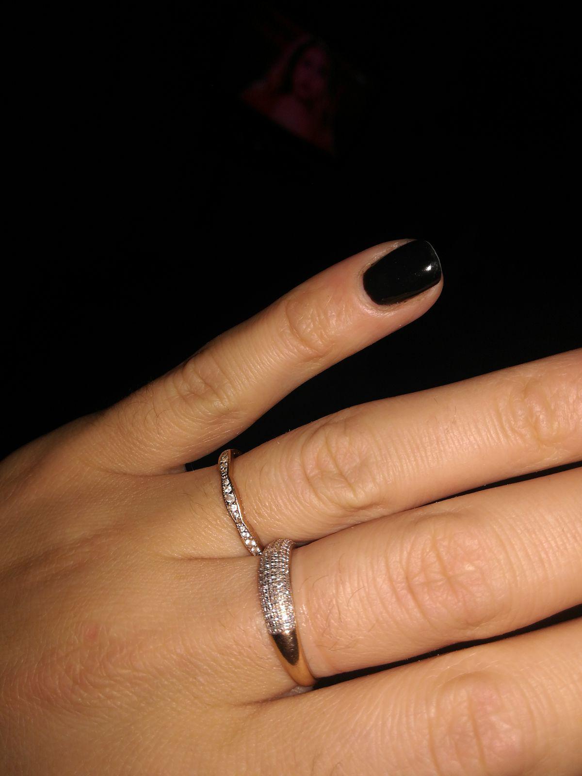 Кольцо очееень красивое:)