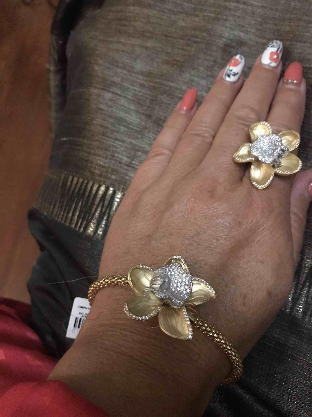 Увидела этот браслет в каталоге и влюбилась , вчера купила, очень довольна!