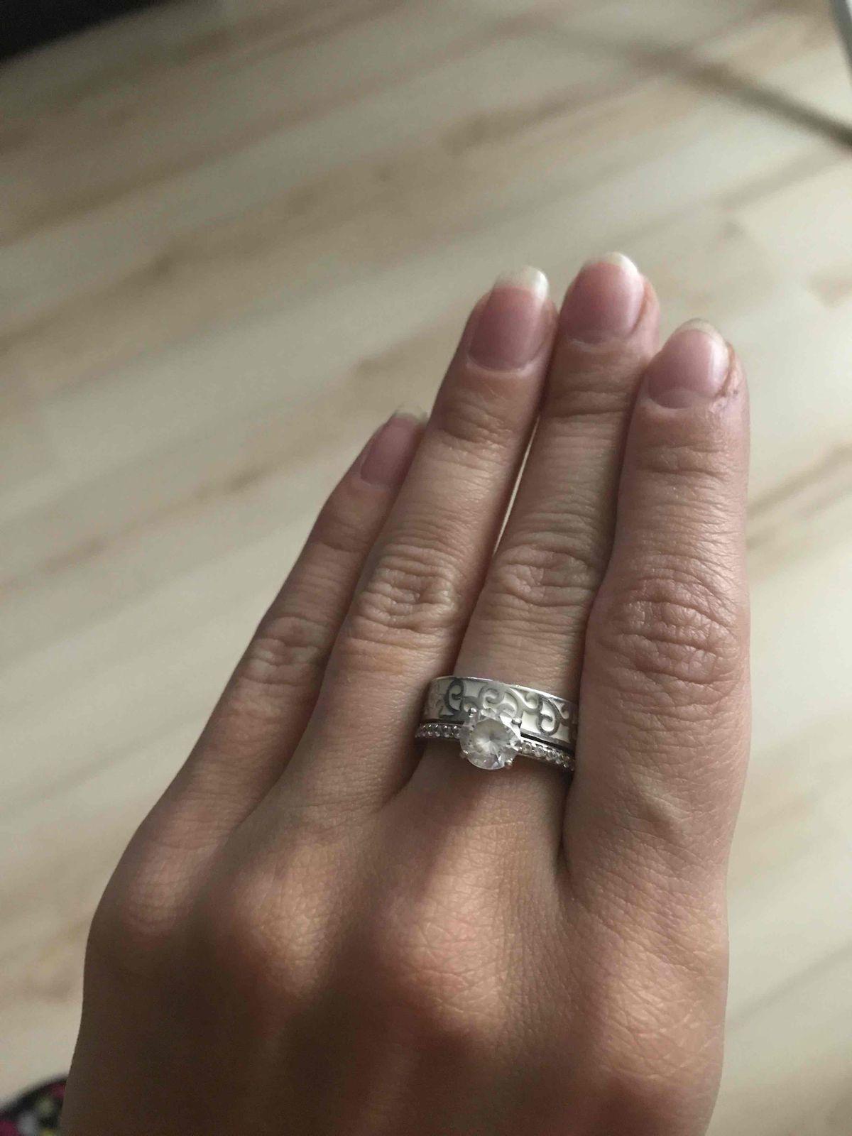 Шикарное, красивое кольцо двухярусное подойдет под множество украшений!!!