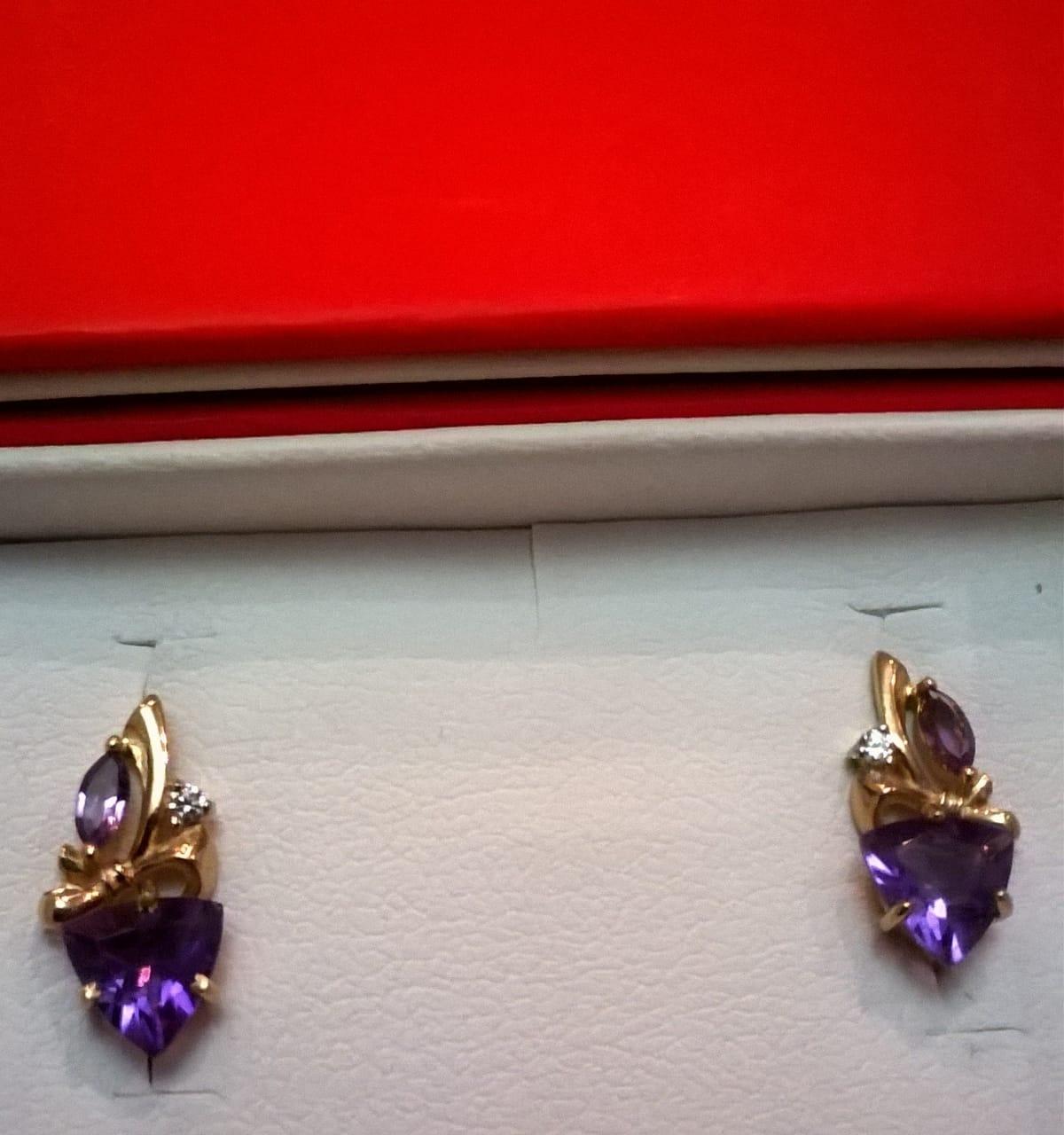 Золотые сережки с аметистами и фианитами