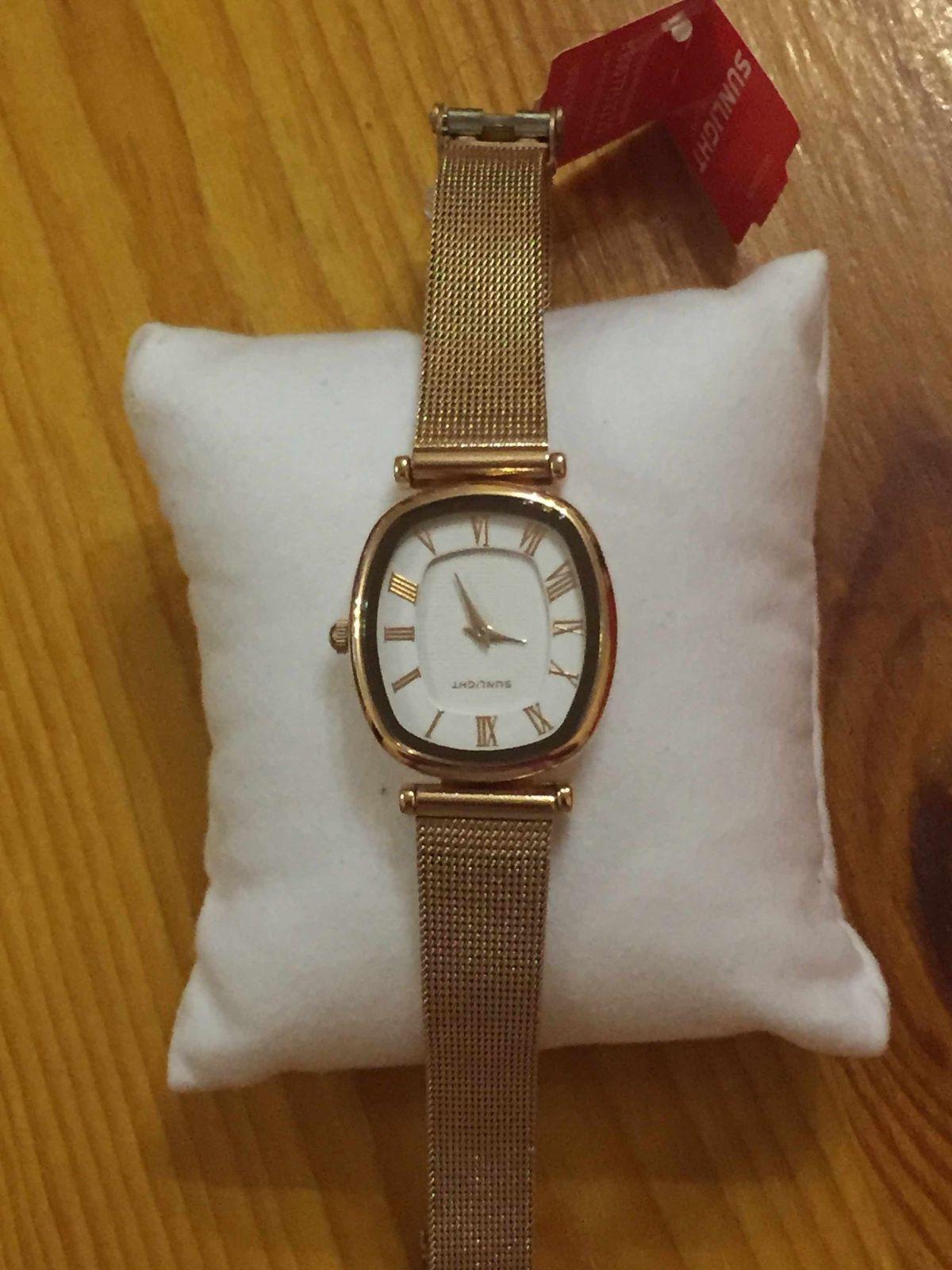 Отличные часы , покупкой осталась довольна ! магази рекомендую !