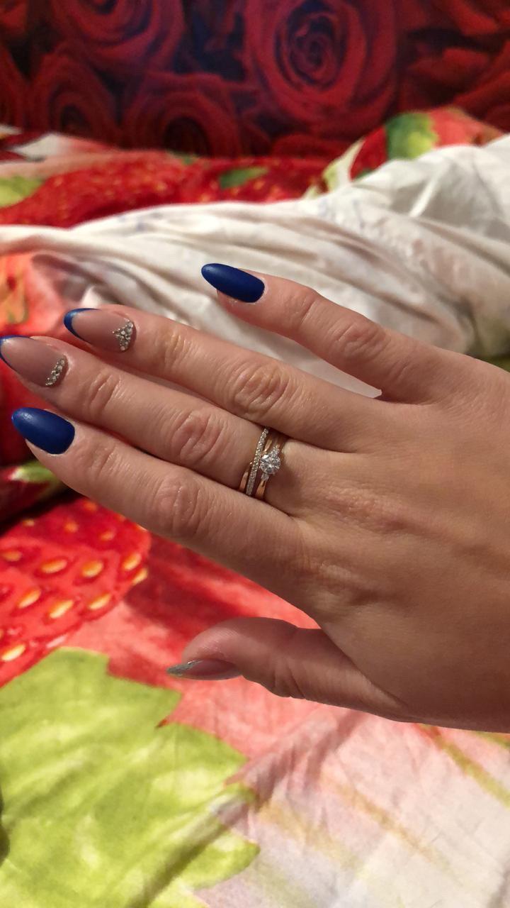 Шикарное кольцо безумно довольна покупкой.