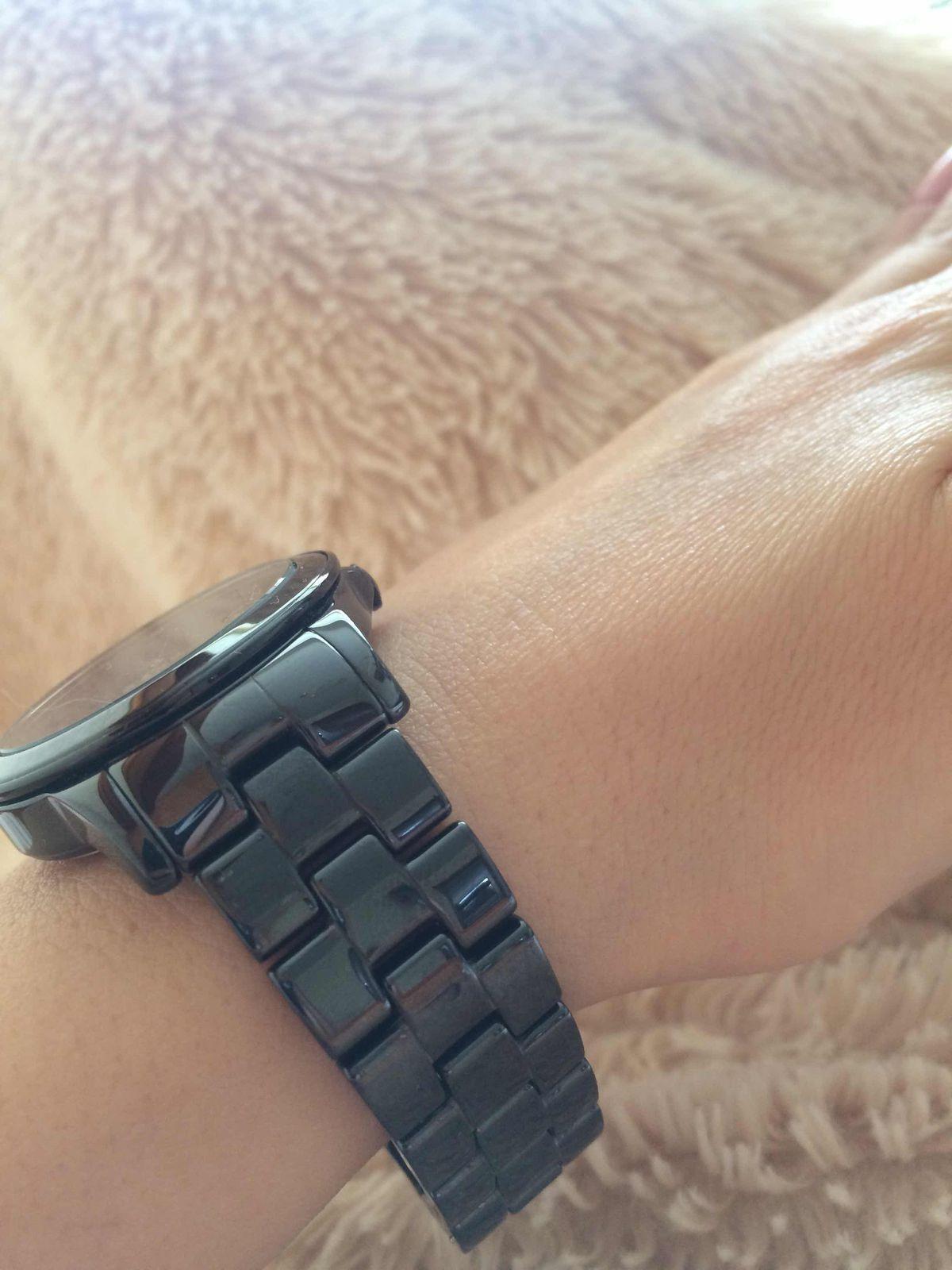 Просто шикарные наручные часы. Всегда хотела белы, но нужны были черные.!!!
