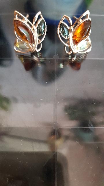 Серьги с солнечным камнем