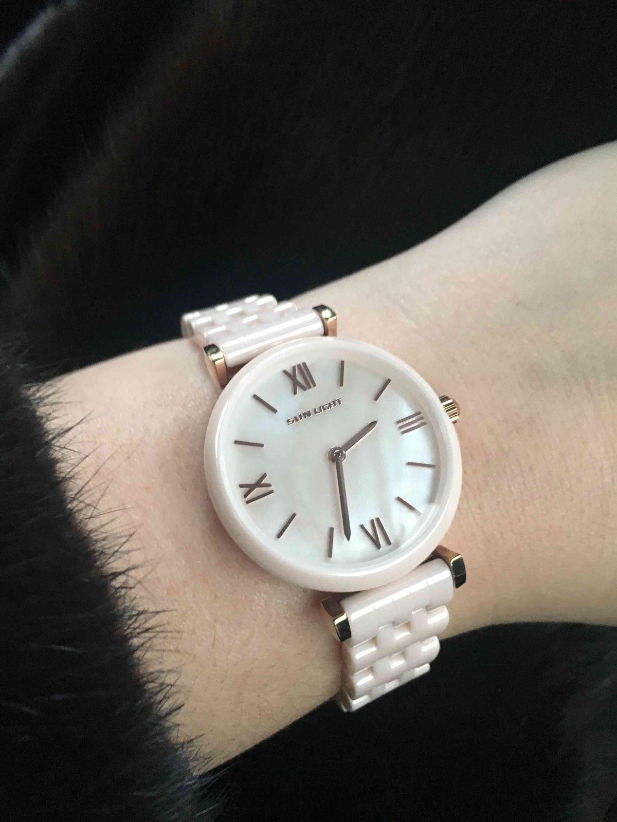 Часы розовые керамические