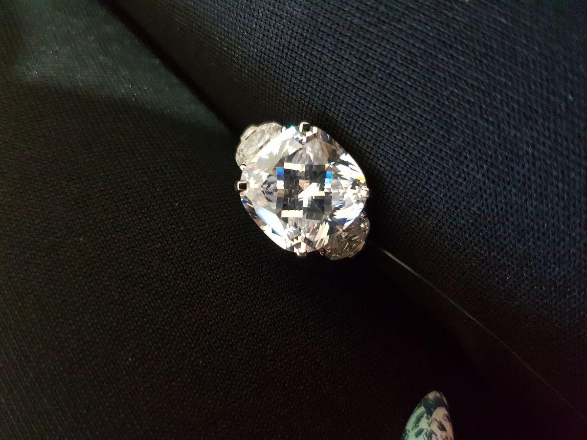 Шикарное кольцо для уверенных в себе девушек!!! 💍💎