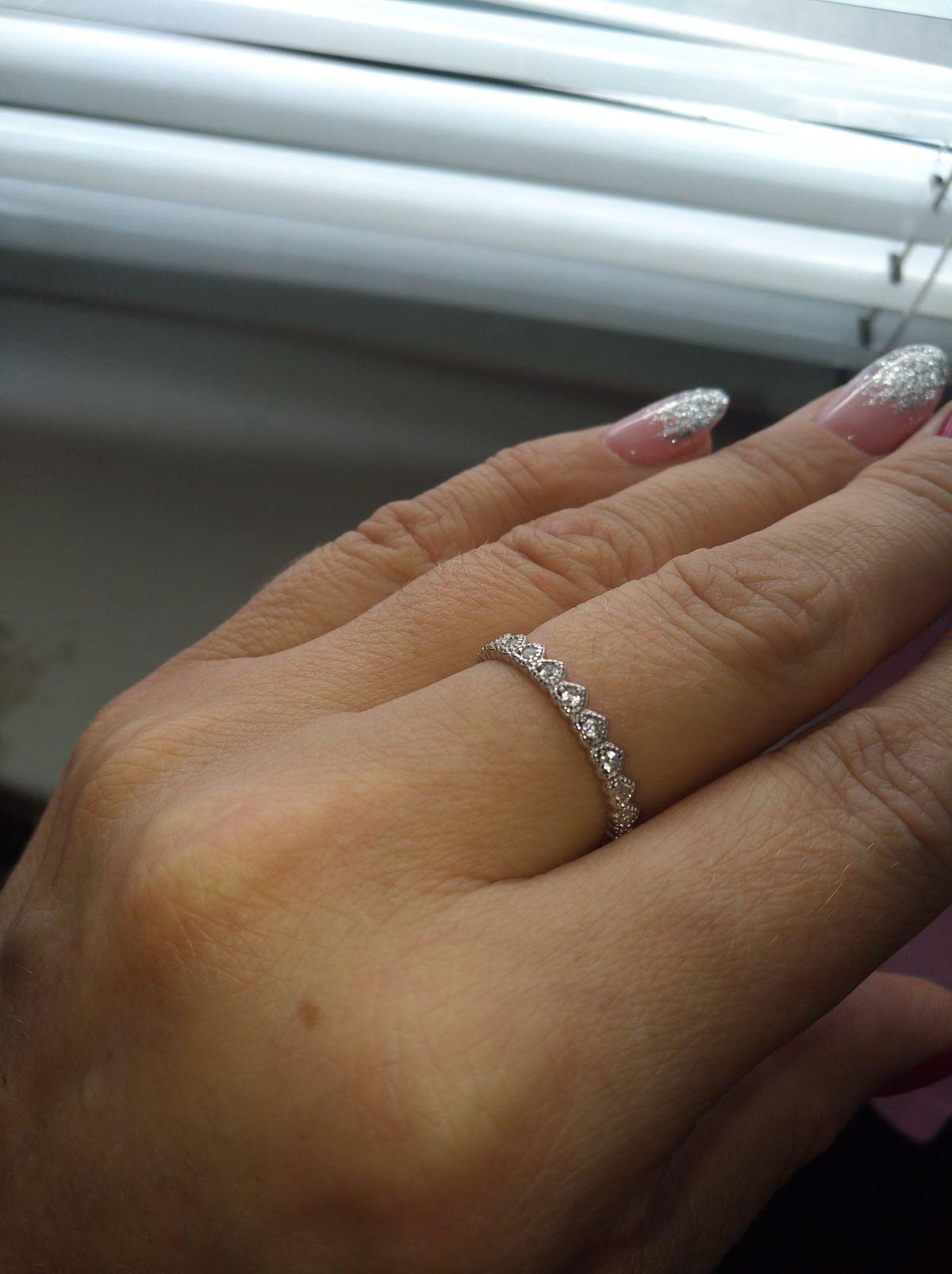 Серебряное кольцо из сердечек