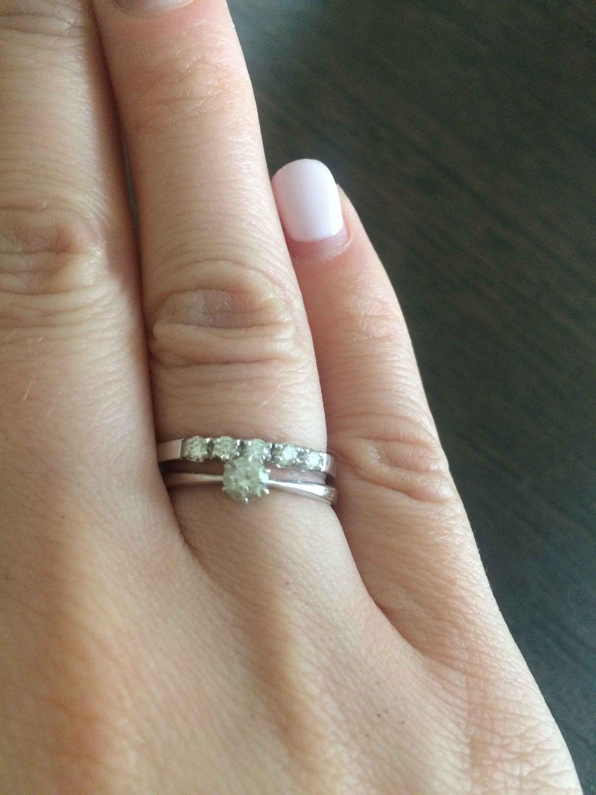 Кольцо из бедого золота с 5-ю бриллиантами