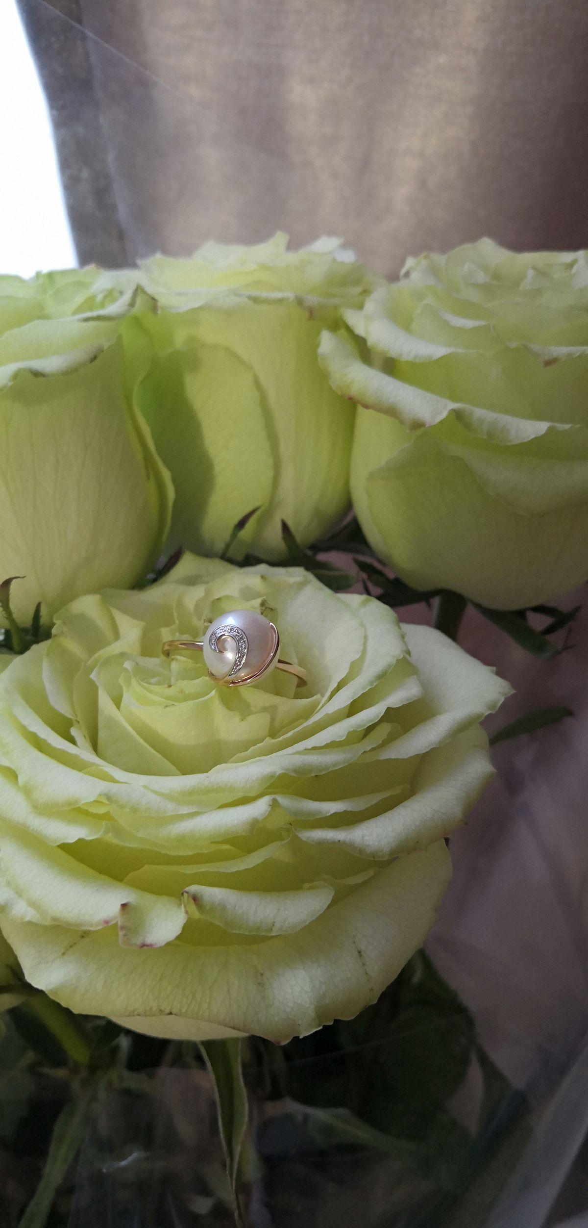 Кольцо из жумчуга и бриллиантов