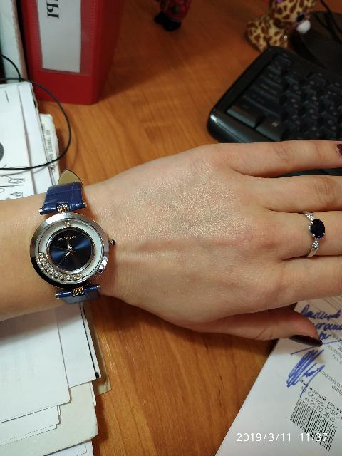 Красивые интересные часы.