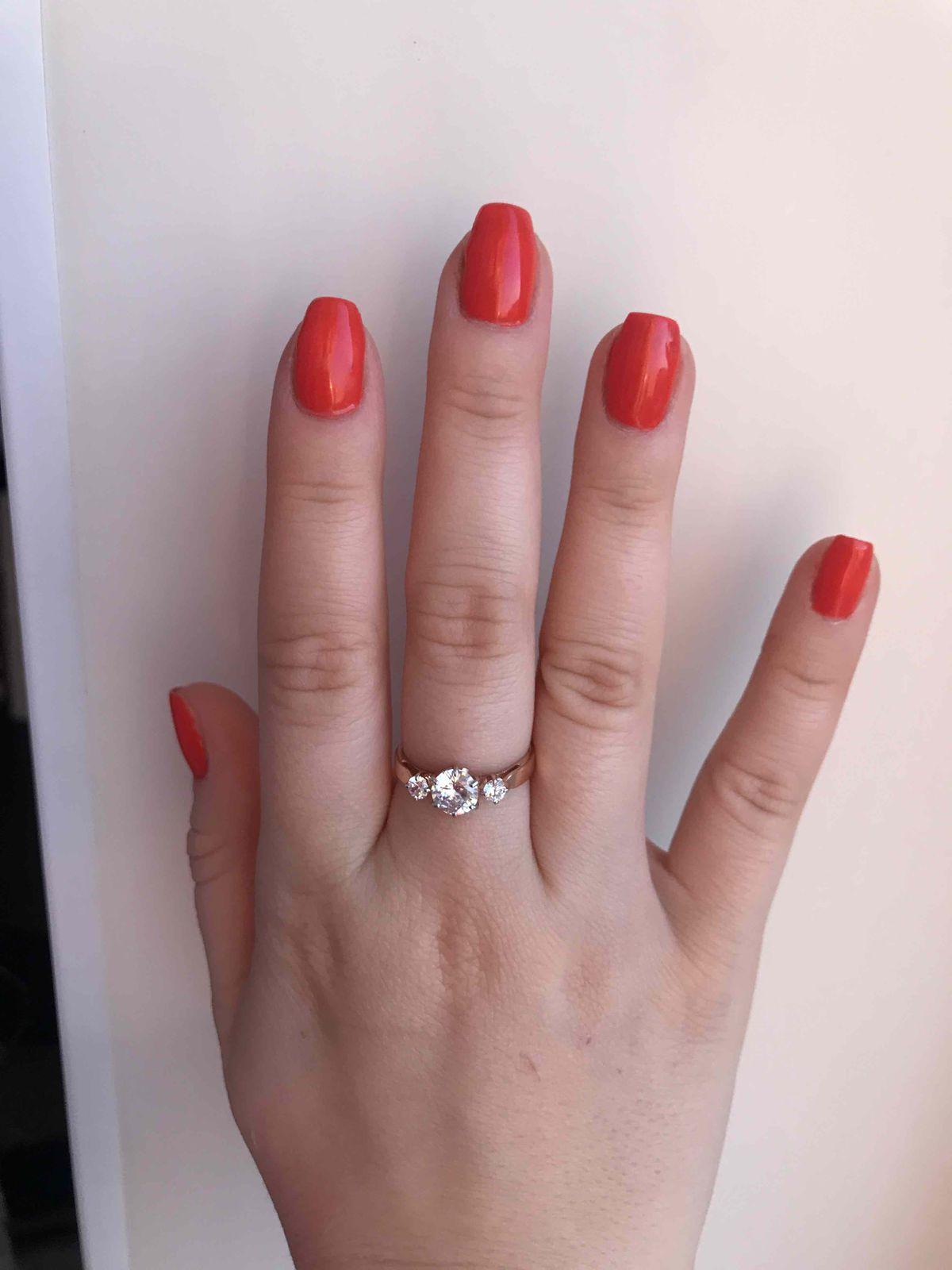 Приобрели это кольцо в подарок.Очень понравилось!!!