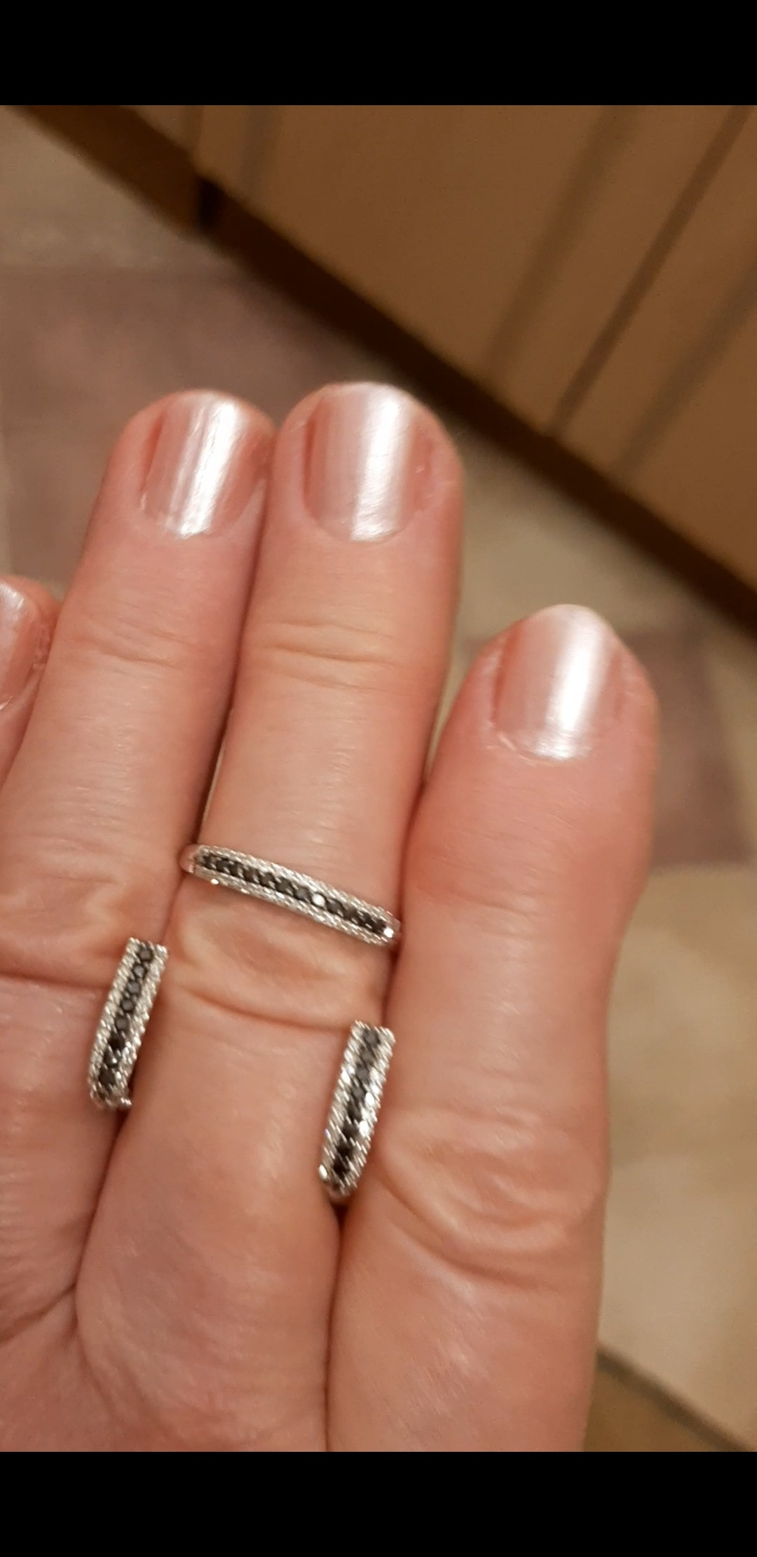 Черные бриллианты на белом золоте
