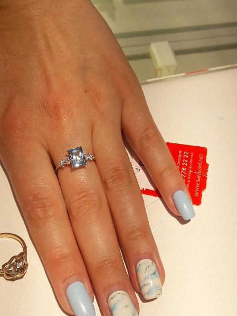 Превосходное кольцо с топазом