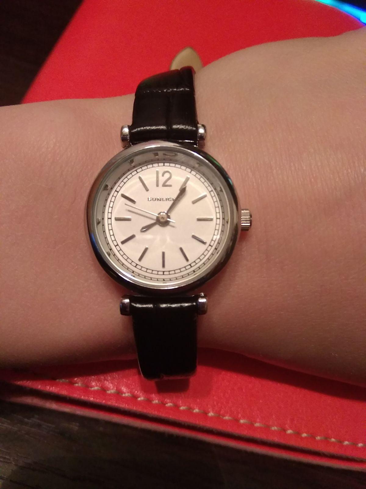 Очень привлекательные часы
