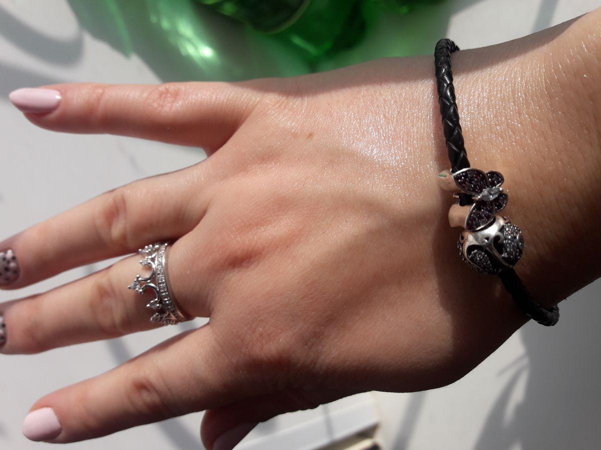 Черный кожаный наборный браслет