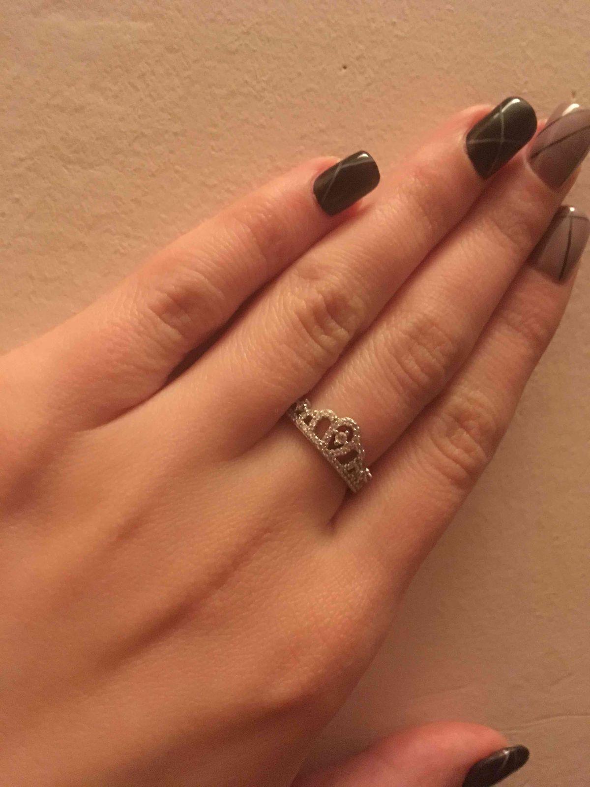 Замечательное кольцо в форме короны из серебра