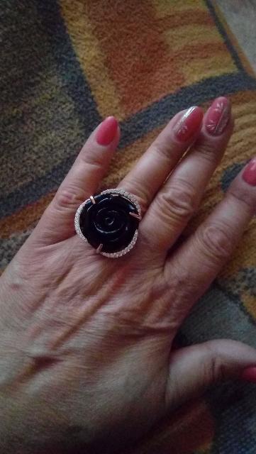 Великолепное, ослепительное кольцо,для вечернего выхода.